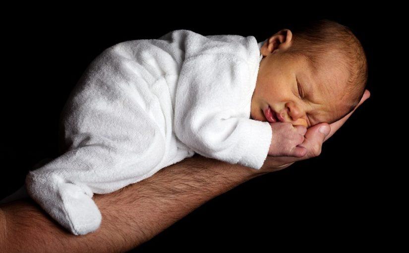 Comment bien préparer la naissance de son premier bébé ?
